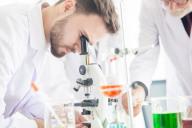 Chemielaborjungwerker/in
