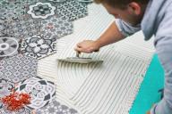 Fliesen-, Platten- und Mosaikleger/in