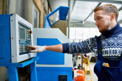 Ausbildung iElektroniker/in für Maschinen und Antriebstechnik